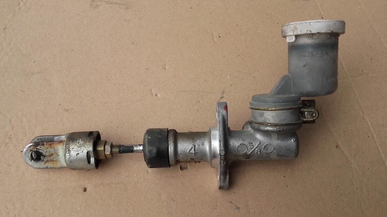 www.pieces4x4occasion.fr emetteur maitre cylindre freins  pajero